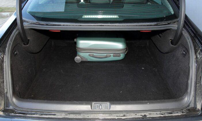 Peugeot 607 bagażnik