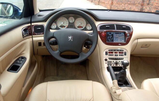 Peugeot 607 deska rozdzielcza