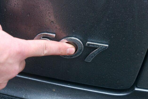 Peugeot 607 emblemat