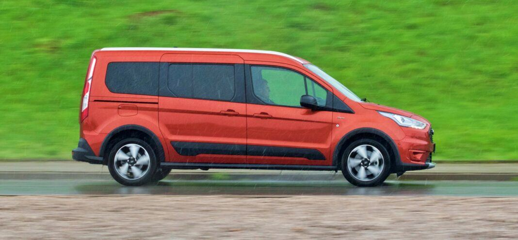 Ford Grand Tourneo Connect - bok ruch