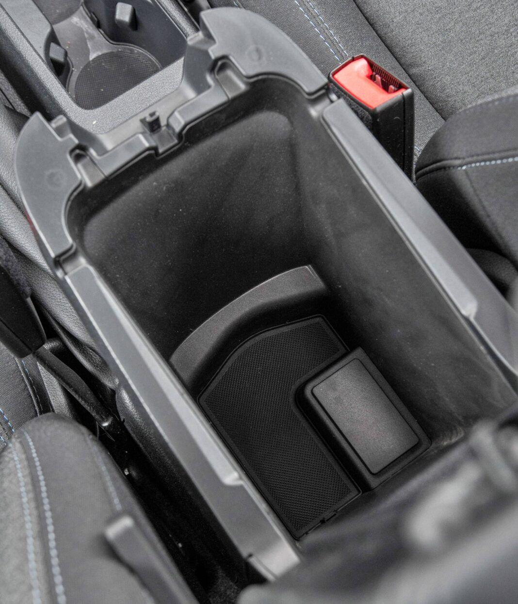 Ford Grand Tourneo Connect - schowek