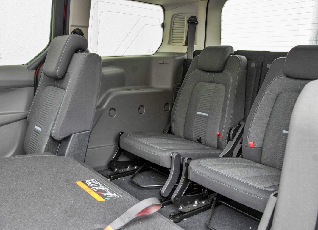 Ford Grand Tourneo Connect - fotele trzeci rząd