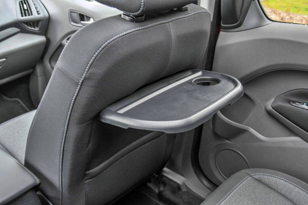 Ford Grand Tourneo Connect - stolik