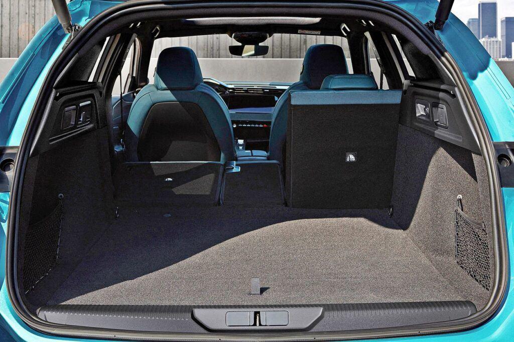 Nowy Peugeot 308 SW (2021)