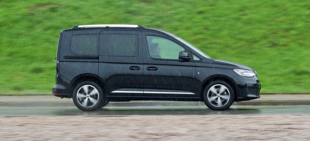 Volkswagen Caddy - ruch bokiem