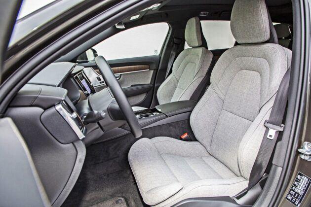 Volvo V90 - przednie fotele