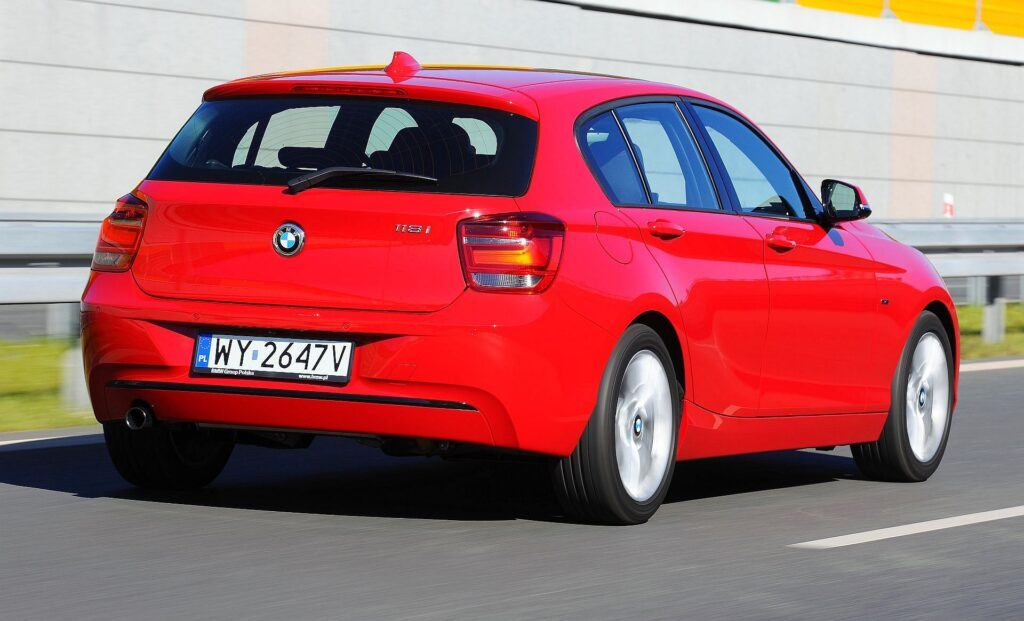 BMW 118i F20 Sport Line 1.6T 170KM 6MT WY2647V 09-2011