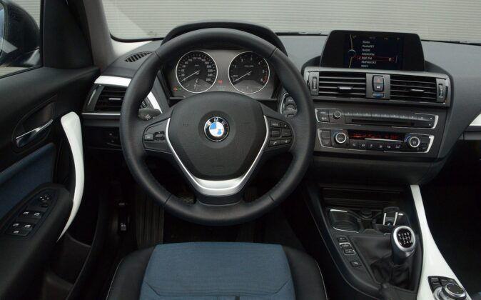 BMW serii 1 F20 deska rozdzielcza