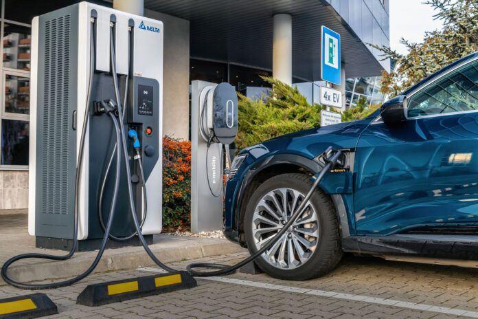 Ładowarka aut elektrycznych