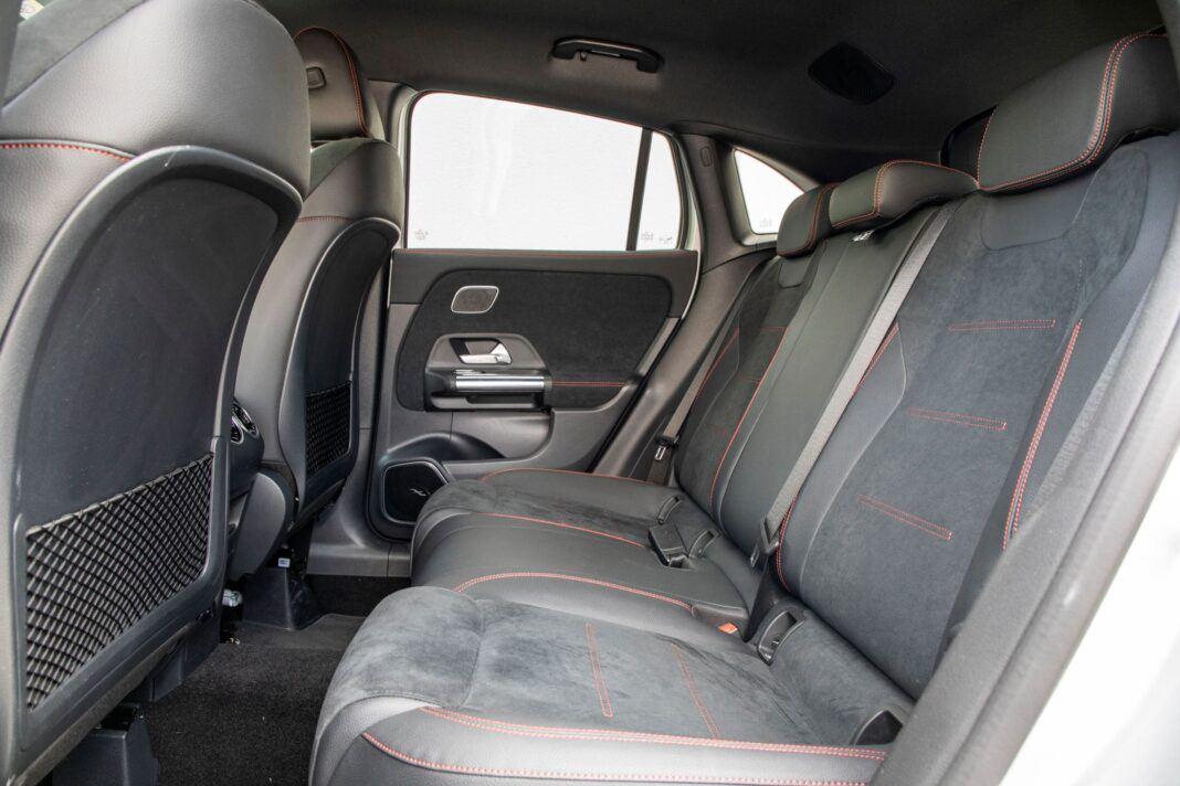 Mercedes GLA - kanapa
