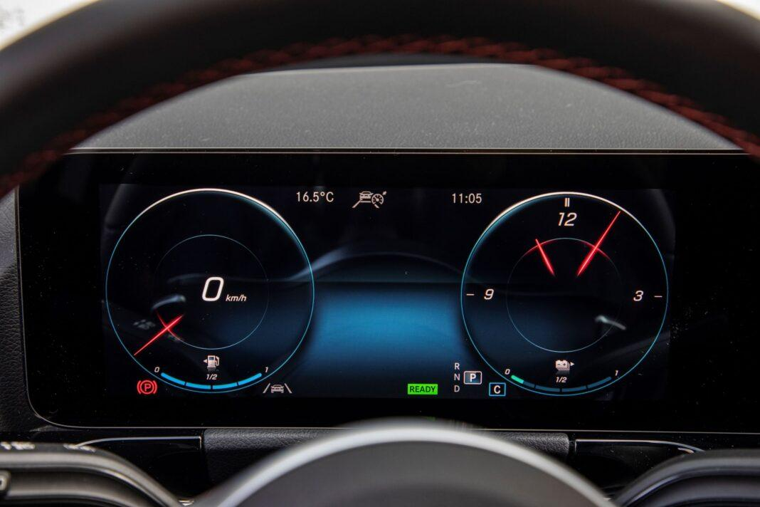 Mercedes GLA - zegary