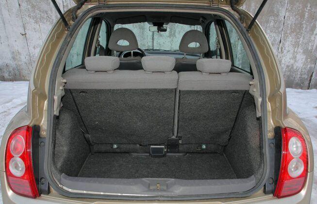 Nissan Micra III (K12) bagażnik (3)