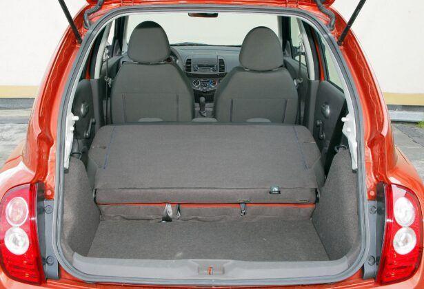 NISSAN Micra K12 bagażnik