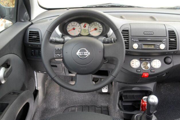 Nissan Micra K12 - deska rozdzielcza