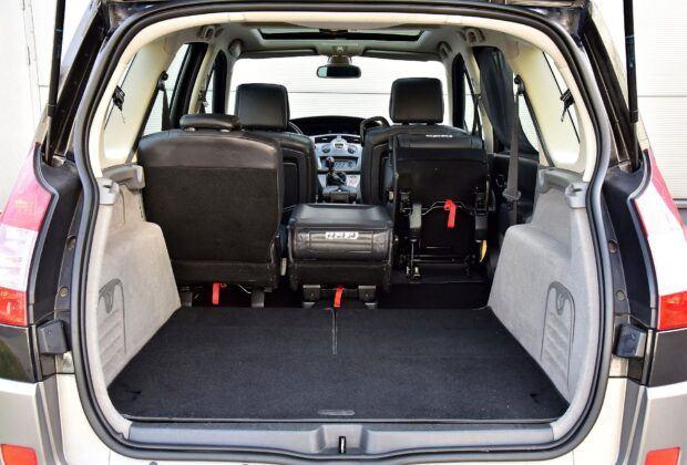 Renault Grand Scenic II bagażnik (4)