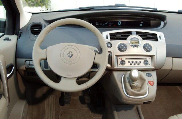 Renault Scenic II deska rozdzielcza