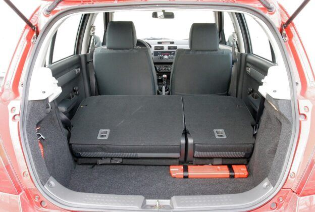 Suzuki Swift IV bagażnik (3)