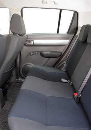 Suzuki Swift IV kanapa