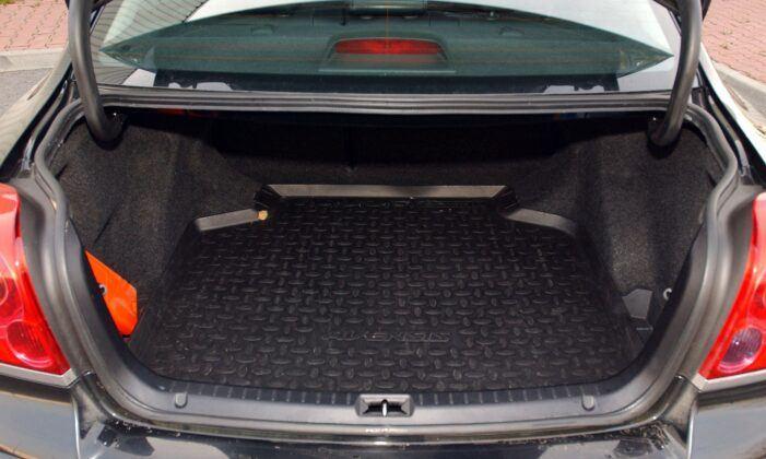 Toyota Avensis II bagażnik