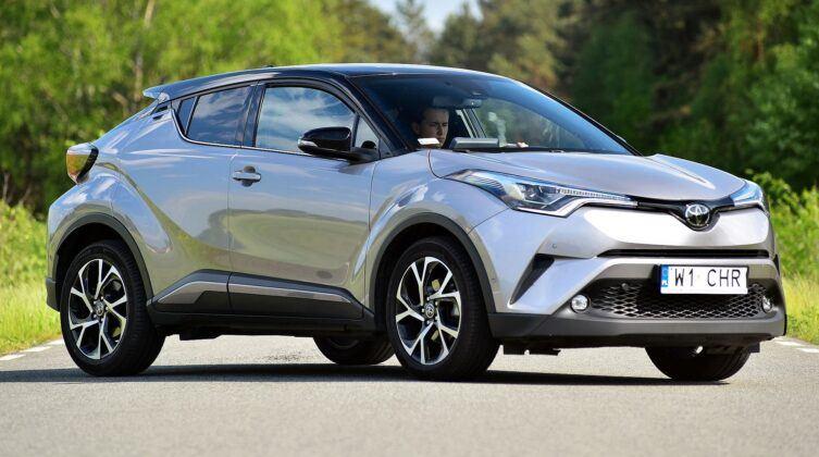 Toyota C-HR - przód