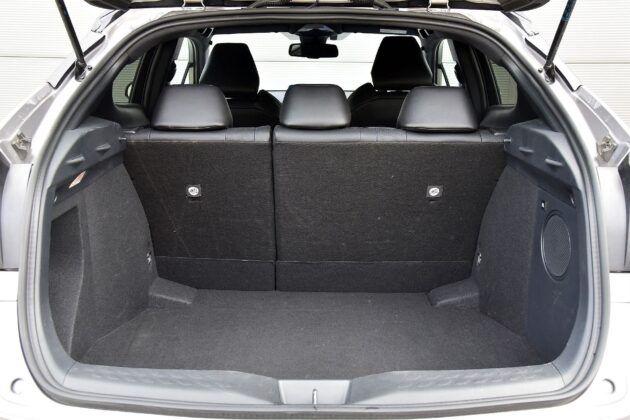 Toyota C-HR bagażnik (2)