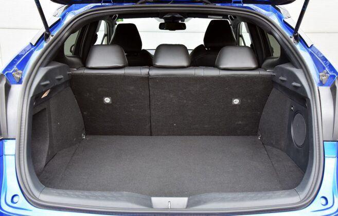 Toyota C-HR bagażnik (3)