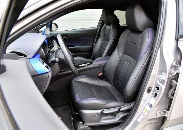 Toyota C-HR fotel kierowcy