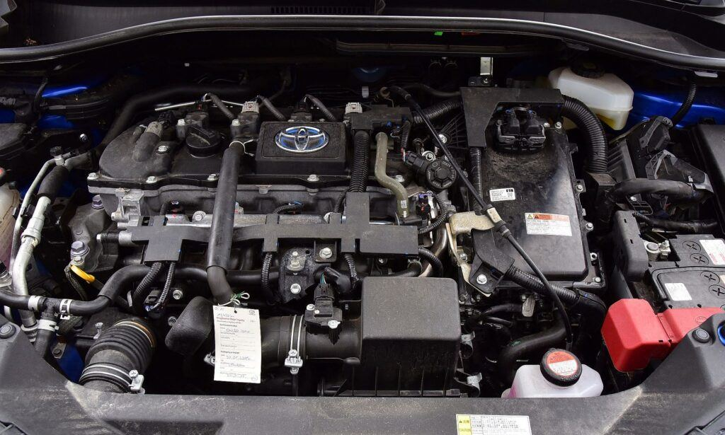 Toyota C-HR silnik (2)