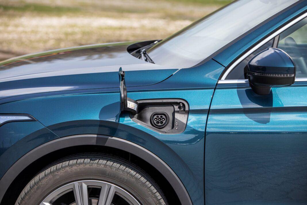 VW Tiguan - gniazdo ładowania