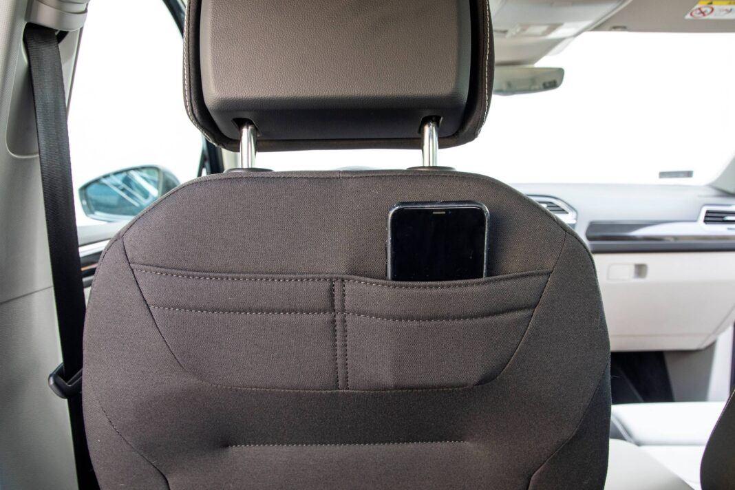 VW Tiguan - kieszenie z tyłu foteli