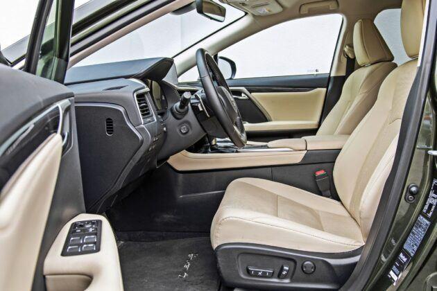 Lexus RX - fotele przednie