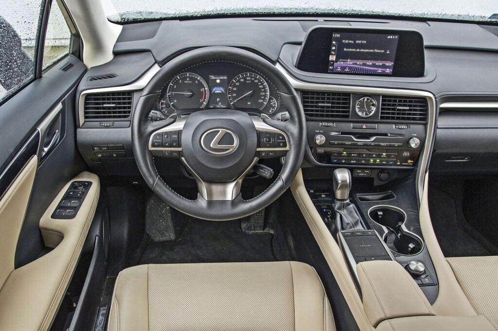 Lexus RX - deska rozdzielcza