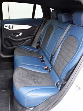 Mercedes EQC - tylna kanapa