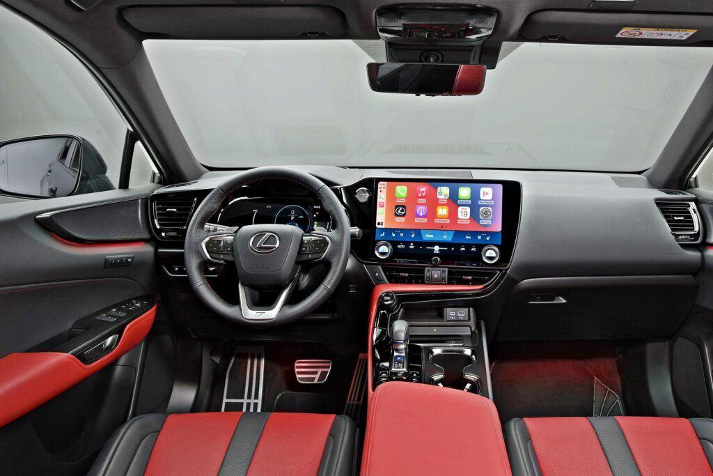 Nowy Lexus NX - deska rozdzielcza