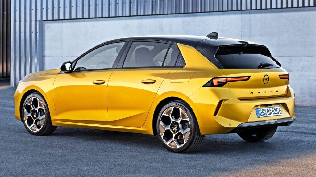Nowy Opel Astra (2021)