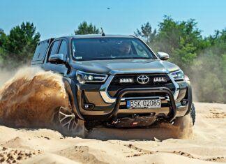Toyota Hilux Arctic Trucks – żaden teren jej nie straszny