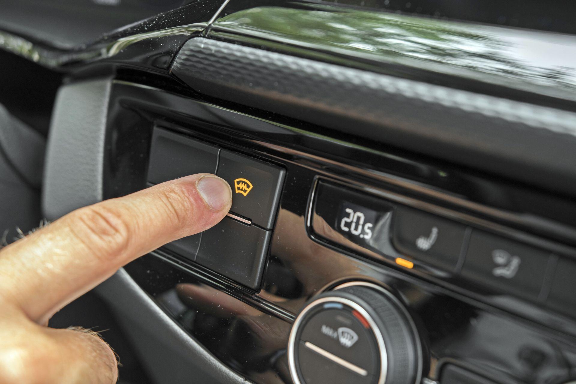 VW California Ocean - podgrzewana przednia szyba