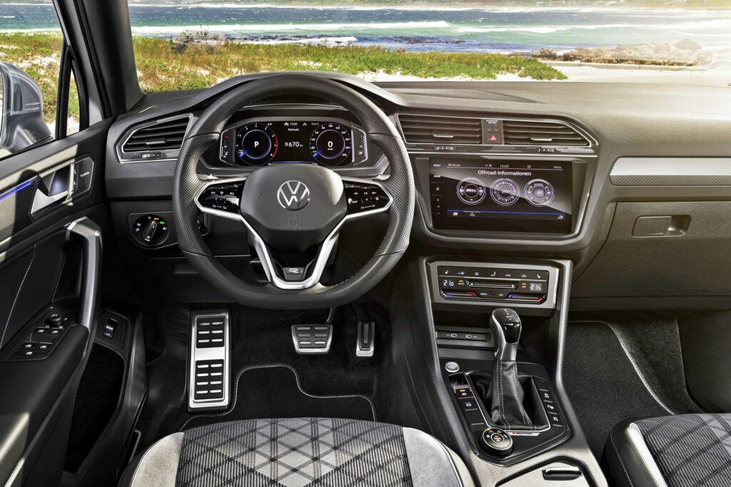VW Tiguan Allspace - deska rozdzielcza