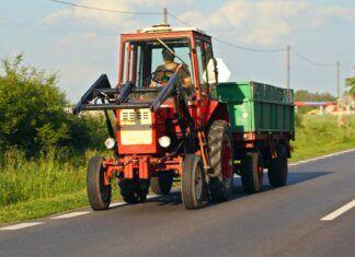 Przegląd ciągnika rolniczego. Terminy, ceny, kary za brak badania technicznego