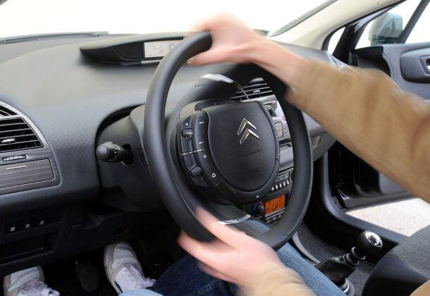 Citroen C4 I kierownica