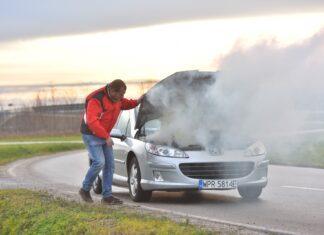 10 dźwięków i zapachów, które świadczą o poważnej awarii auta
