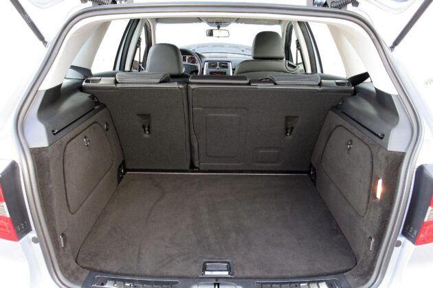 Mercedes klasy B W245 bagażnik (3)