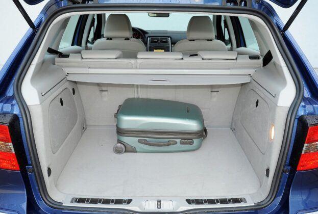 Mercedes klasy B W245 bagażnik