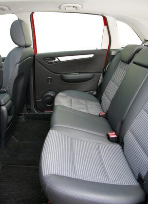 Mercedes klasy B W245 kanapa (2)
