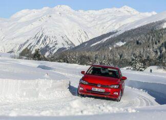 Jak opony wielosezonowe sprawują się zimą? Czy są bezpieczne na śniegu?