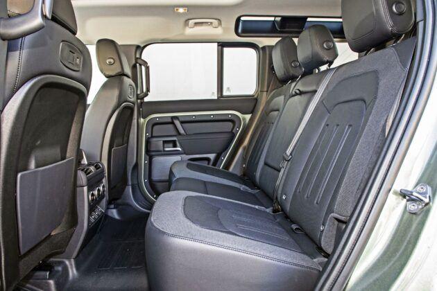 Land Rover Defender - tylna kanapa