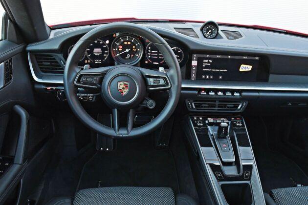 Porsche 911 (992) - deska rozdzielcza