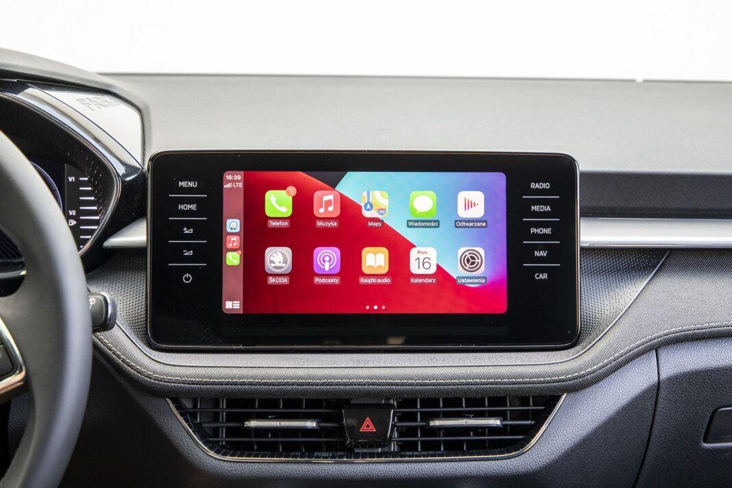 skoda fabia 1.0 tsi 95 test 2022 Apple CarPlay