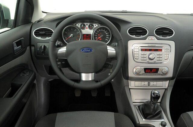 Ford Focus II deska rozdzielcza