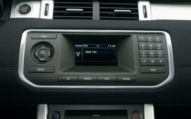 Land Rover Range Rover Evoque I ekran